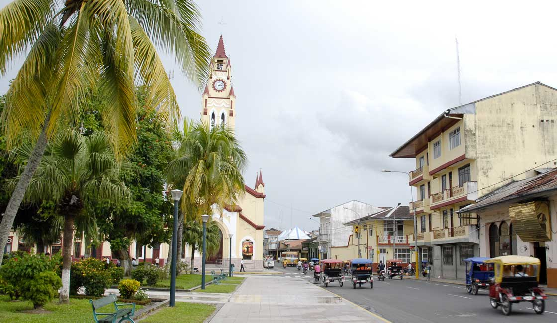 Street and church in Iquitos