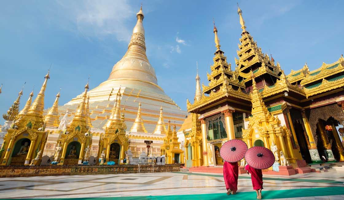 Buddhist Monks in Shwedagon Pagoda