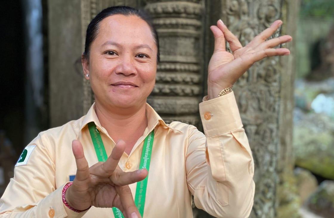 private guide in angkot wat