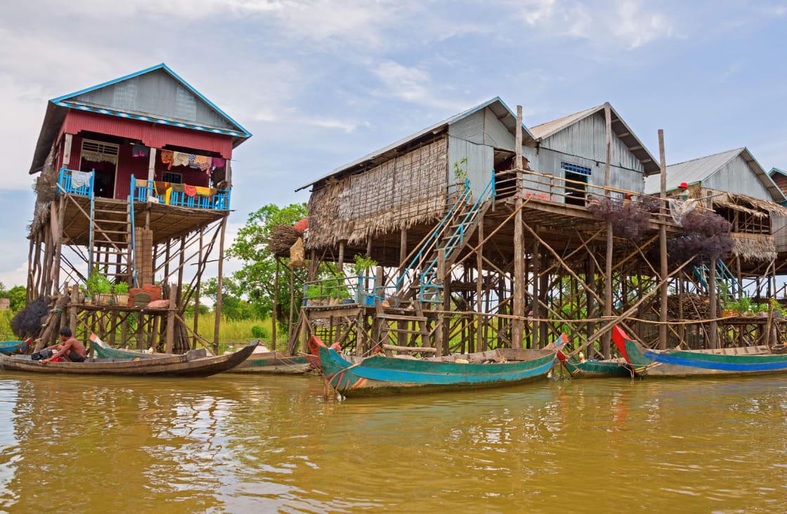houses in tonle sap lake