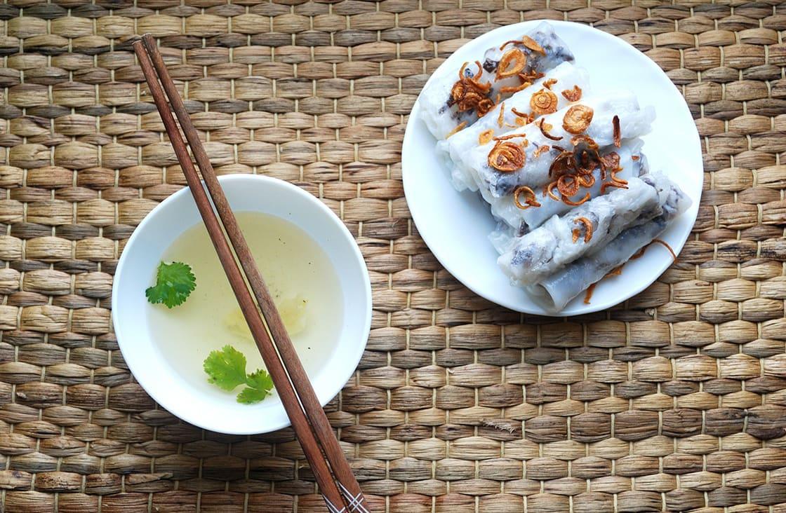 Banh Cuon (Vietnamese Steamed Rice Rolls)