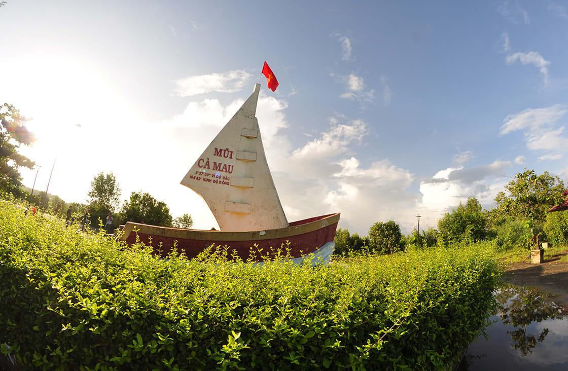 Ca,Mau,Cape, boat monument