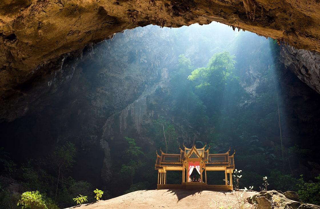 Morning,Sunbeam,On,Golden,Buddhist,Pavilion,In,Wild,Cave,,Sam Mountain