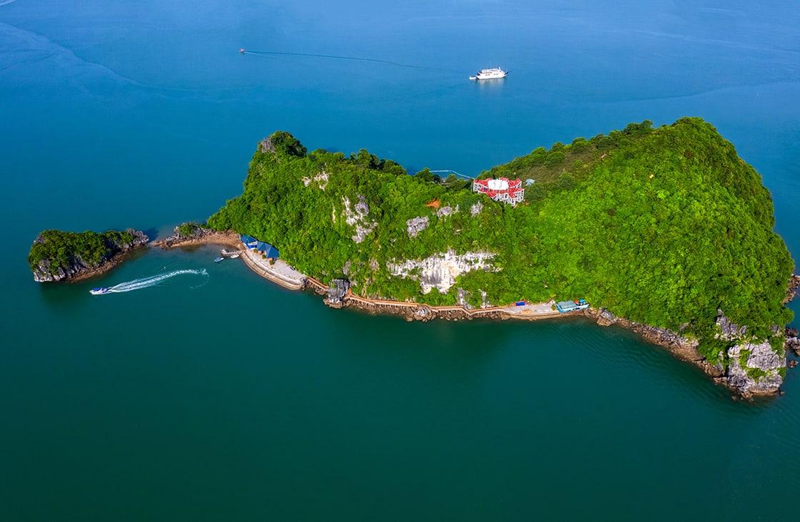 Aerial,View,Of,Soi,Sim,Rock,Island,,Halong,Bay,,Vietnam,