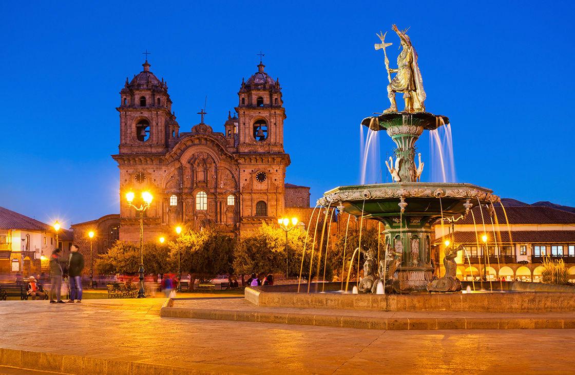 Plaza,De,Armas,In,Cusco,At,Sunset.,Plaza,De,Armas