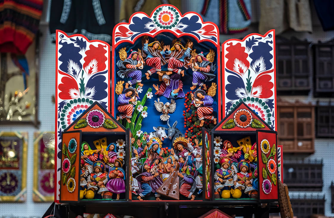 Colorful,Peruvian,Artisanal,Retablo,For,Sale,At,Street,Indian,Market
