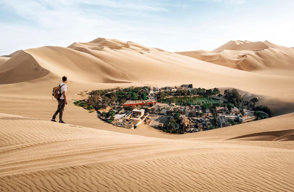 Man,Crossing,The,Desert,Finds,Oasis