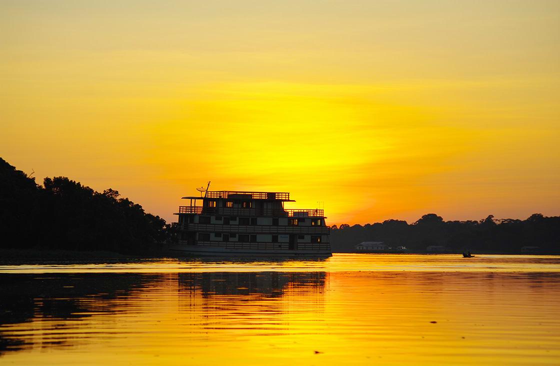 Manaus,,Br,-,Circa,August,2011,-,Cruise,Boat