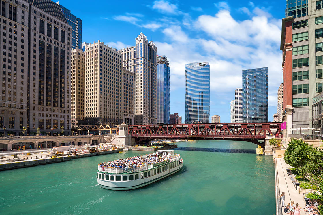The,Chicago,River,And,Downtown,Chicago,Skyline,Usa