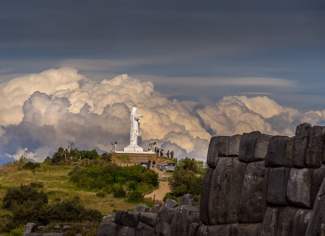 Cristo Rey Statue