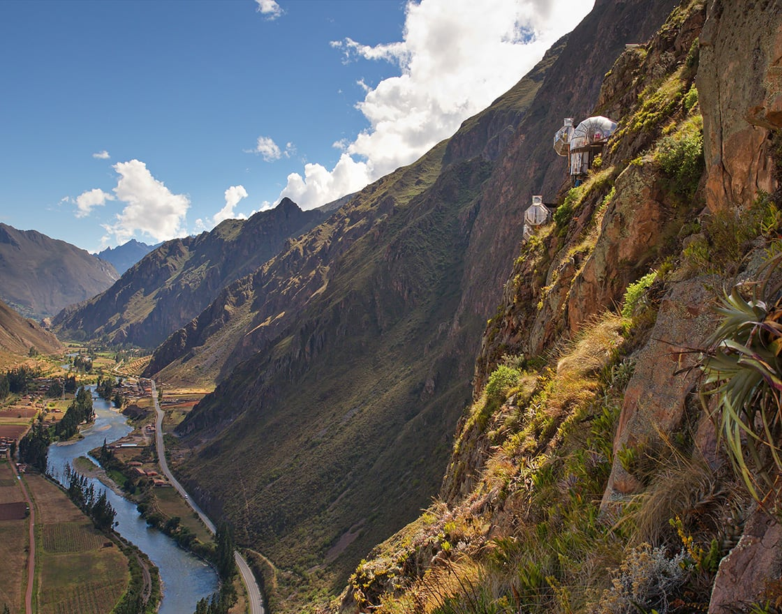 View,Looking,Up,The,Sacred,Valley,From,The,Top,Skylodge