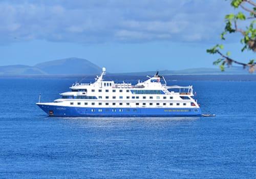 Santa Cruz II at sea