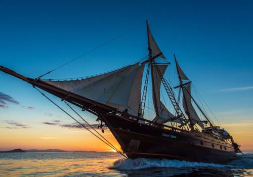 Ship sailing