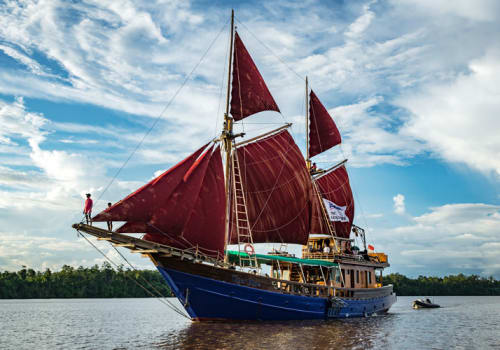 Ship with the red sails up