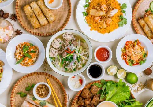 Table of Vietnamese food