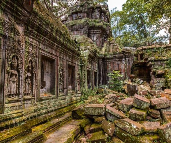 Temple ruins in Angkor Wat