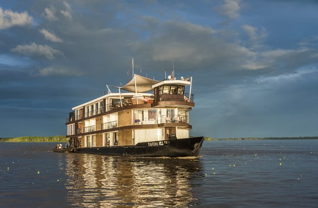Zafiro cruise in the amazon
