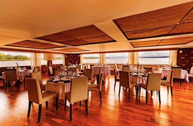 Delfin III Dining Room