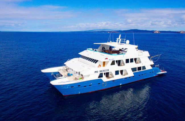 Cormorant ship Galapagos