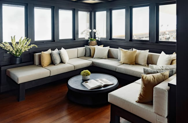 Coffee table and sofas