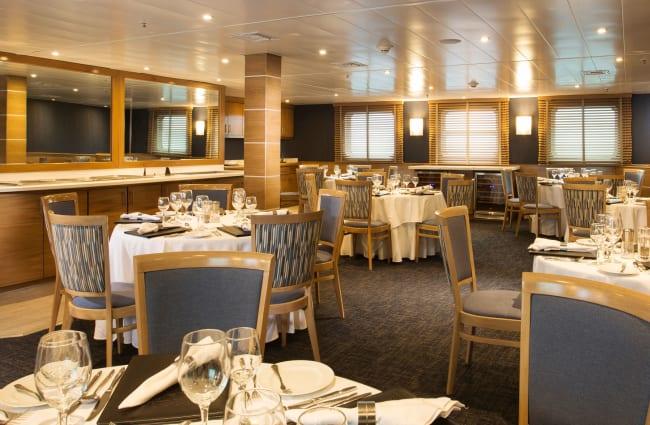 Restaurant on Isabella Yacht