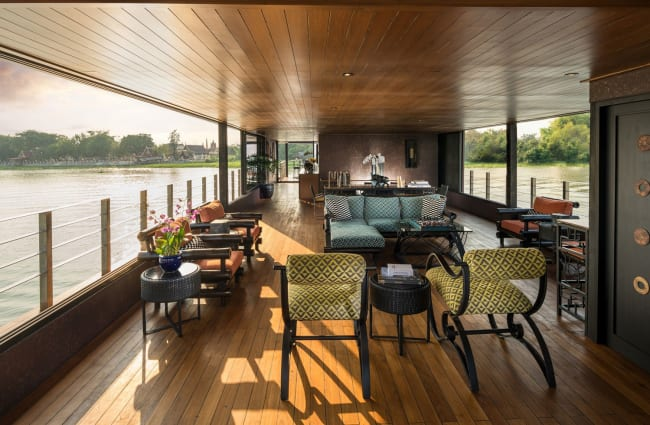 Lounge with river view
