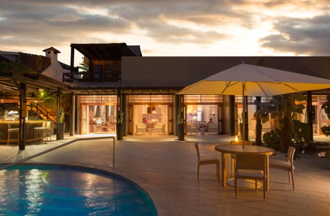 Spacious hall and outdoors pool