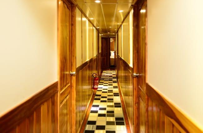Corridor onboard