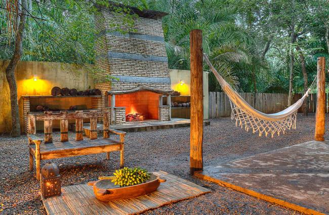 Patio Area Cordilheria Caiman Lodge