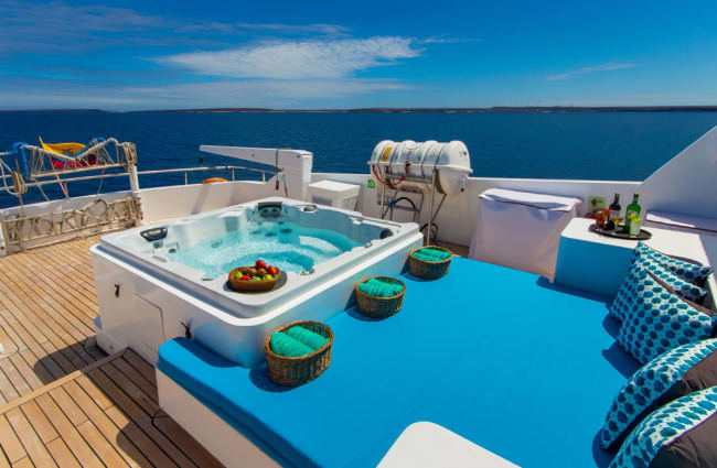 Day bed and a jacuzzi on board
