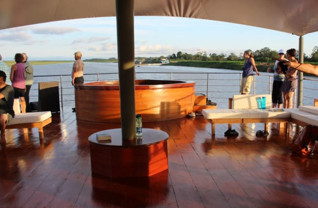Agua Marina outdoor deck with jacuzzi