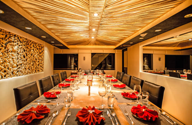 MY Passion Galapagos Dining