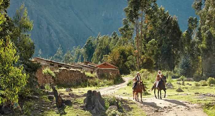 horseback riding sacred valley
