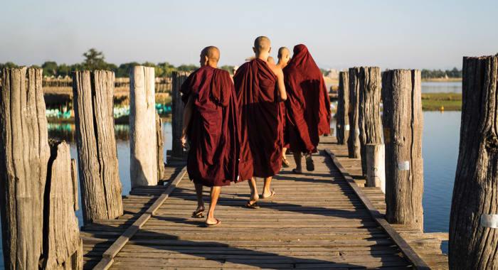 Monks Crossing Irrawaddy Riveer