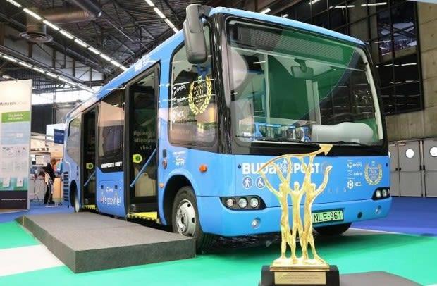Egyenesen Párizsig ment egy BKV-busz
