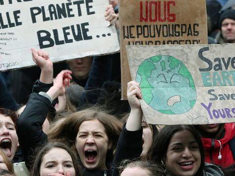 Húszezer diák tanítási időben követelt hatékony klímapolitikát | ClimeNews - Hírportál