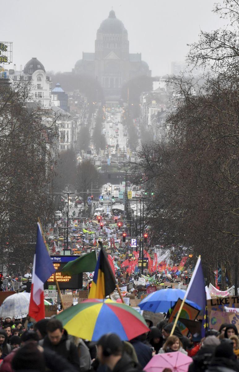 Legalább 70 ezer ember vonult utcára vasárnap Brüsszelben | CliomeNews - Hírportál