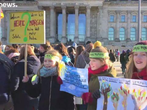 A klímaváltozás ellen tüntettek diákok - ClimeNews - Hírportál