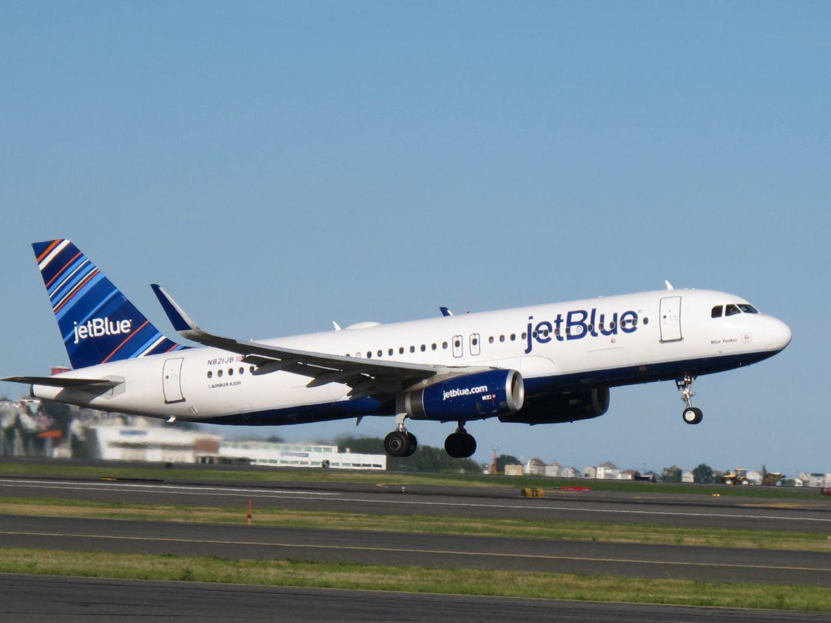 A jetBlue is kompenzálni fogja a belföldi járatok emisszióját | ClimeNews