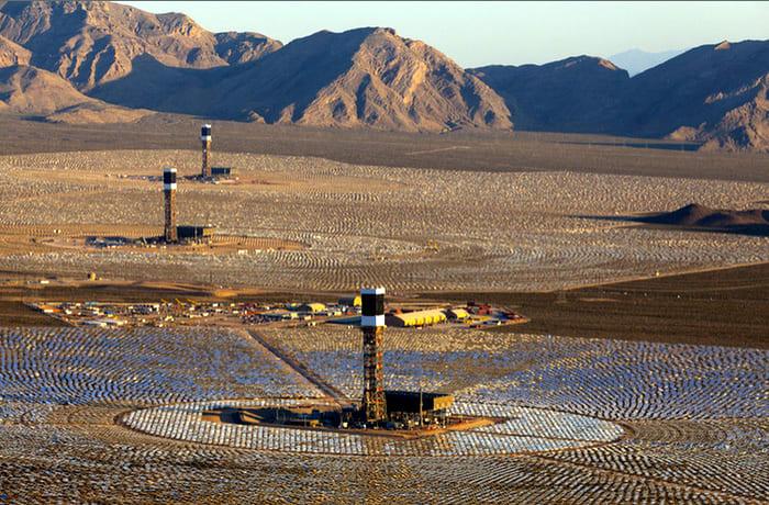 Megnyílt a világ legnagyobb naperőműve