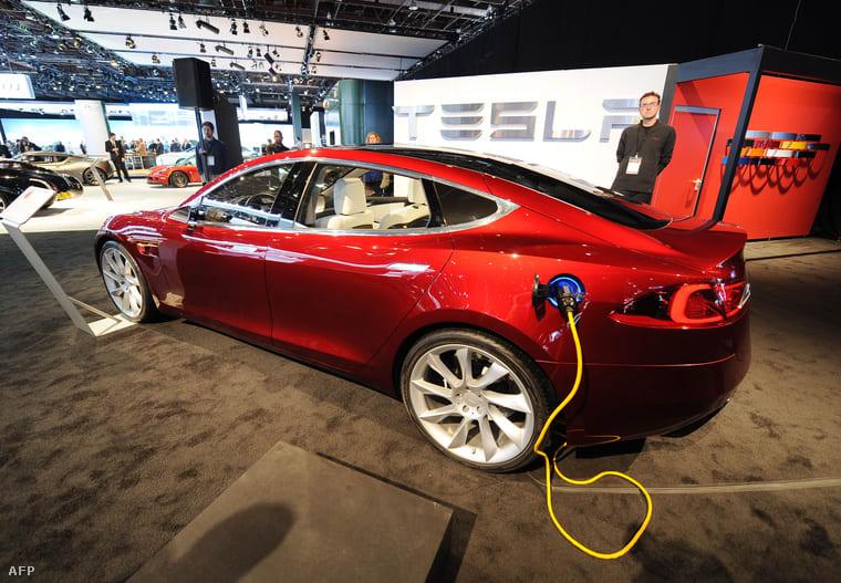 Mostantól bárki másolhat elektromos autót (Tesla)