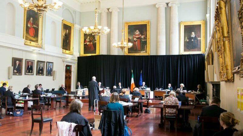 """""""Abszolút történelminek"""" nevezett ítélet Írországban"""