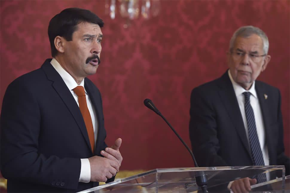 Áder János köztársasági elnök és Alexander Van der Bellen osztrák államfő sajtótájékoztatót tart a bécsi Hofburgban 2019. február 20-án Fotó: MTI/Bruzák Noémi