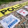 Több mint 1 millióan követelik, hogy az óriásvállalatok csökkentsék az eldobható műanyagok használatát