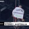 Hídról lógva tiltakoztak az ausztráliai Greenpeace aktivistái | ClimeNews