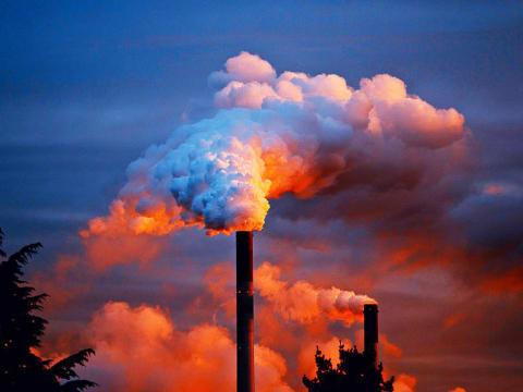 Négyszereződött a szén-dioxid-kvótapiaci ára két év alatt   ClimeNews - Hírportál
