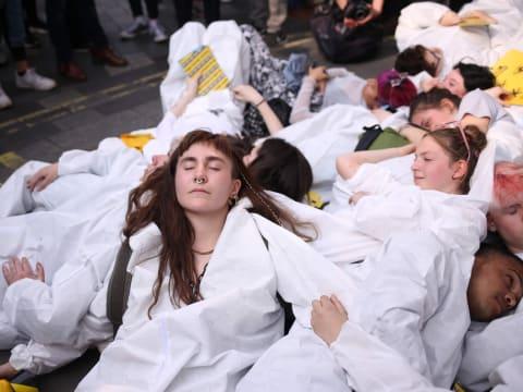 'Az idősebb generációk nem értik': amikor meghallják az XR ifjúsági tagozatát