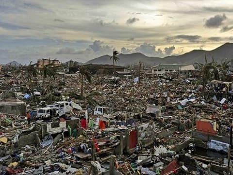 Typhoon Haiyan - Tacloban   Mely országok a leginkább áldozatai a globális klímaváltozásnak?   ClimeNews