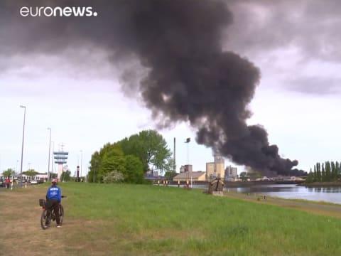 200 méter magas füstoszlop Brémában! | ClimeNews - Hírportál