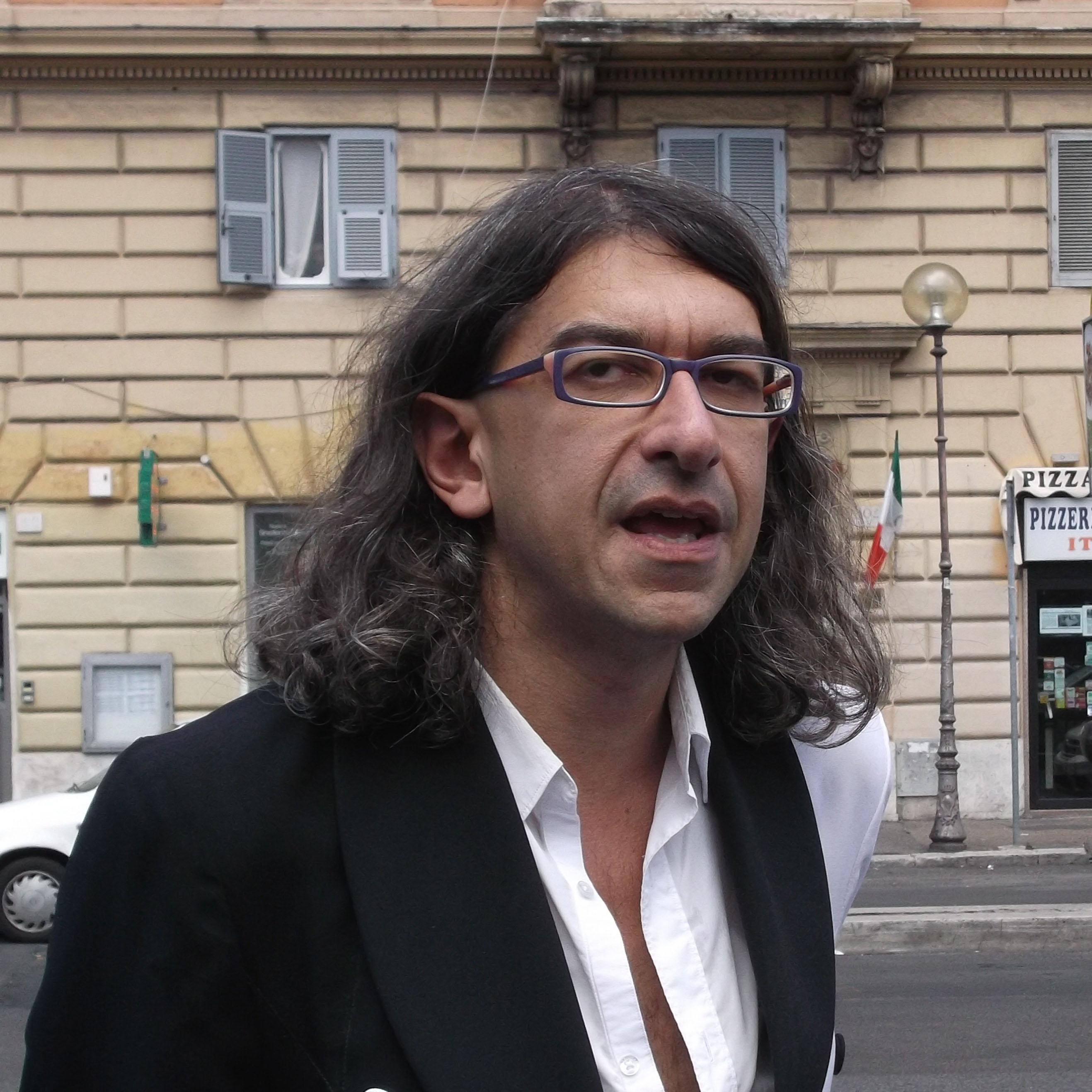 Gabriele Paolini ügyvéd az óvszerpróféta